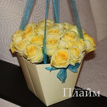 Коробка для цветов с лентой органза