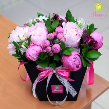 Черная упаковка для цветов