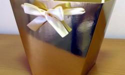 золотые коробки для цветов